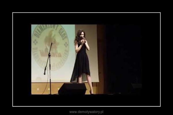 Amy Winehouse ciągle żywa..zadziwiające wykonanie 17-letniej dziewczyny. –
