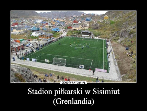 Stadion piłkarski w Sisimiut (Grenlandia)